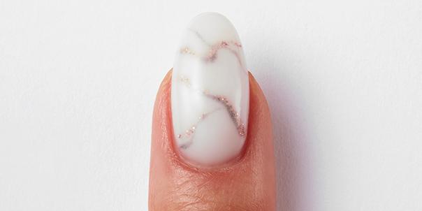 Marble nail with Gellux Builder Gel