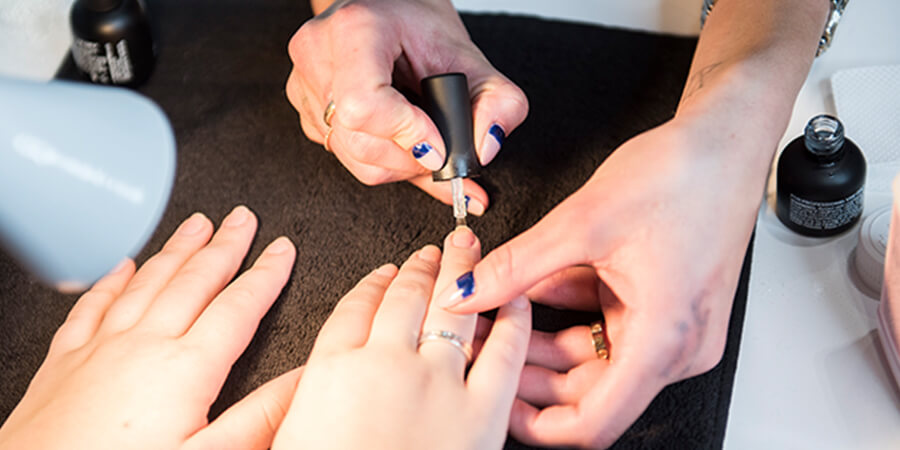 How to Become a Beauty Educator